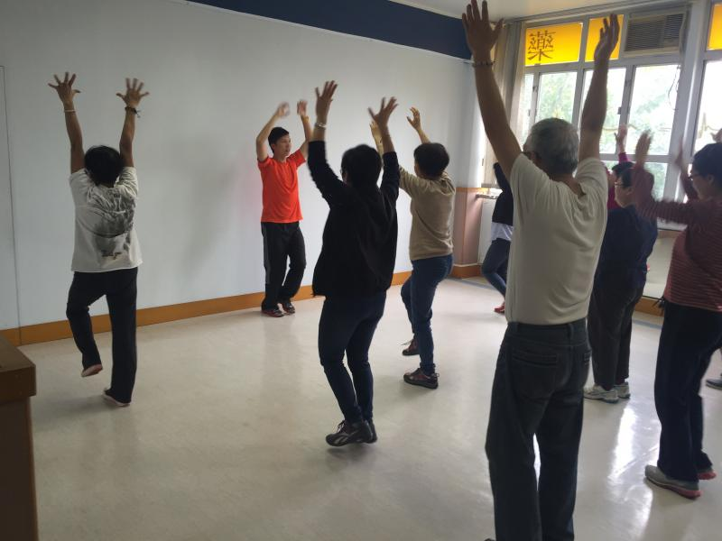 Health Talk and Exercise Class in Pain Relief